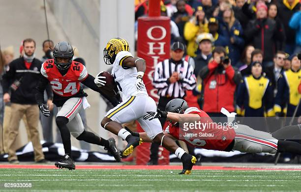 Jabrill Peppers of the Michigan Wolverines rushes the ball during the first quarter against the Ohio State Buckeyes at Ohio Stadium on November 26...