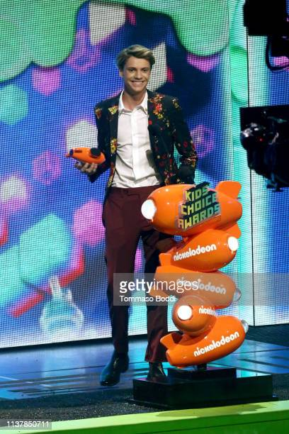 Jace Norman accepts the Favorite Male TV Star award for 'Henry Danger' attends Nickelodeon's 2019 Kids' Choice Awards at Galen Center on March 23...
