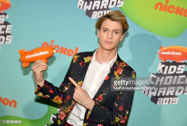 Jace Norman recipient of the Favorite Male TV Star award for 'Henry Danger' poses backstage attends Nickelodeon's 2019 Kids' Choice Awards at Galen...