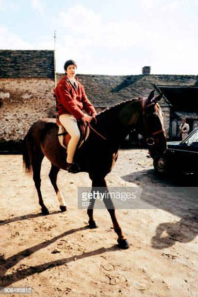 Jacinte Giscard D'Estaing rides a horse in an equestrian center the day of her engagement in Dampierre on March 17th 1979 / AFP PHOTO / STF