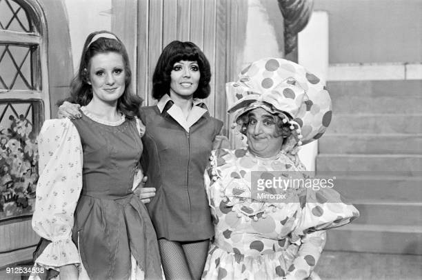 Jack and the Beanstalk Pantomime Photocall Grand Theatre Wolverhampton 18th December 1975 Susan Maughan plays Jack