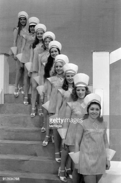 Jack and the Beanstalk, Pantomime, Photo-call, Grand Theatre, Wolverhampton, 18th December 1975. The Chorus Line.