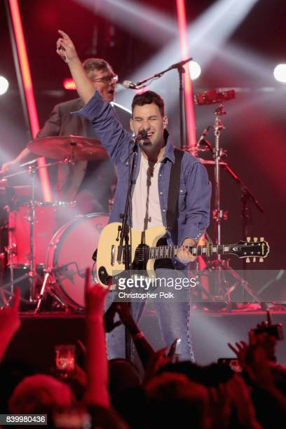 Jack Antonoff performs onstage during the 2017 MTV Video Music Awards at The Forum on August 27, 2017 in Inglewood, California.