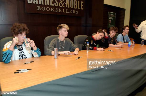 Barnes Noble The Grove Stock Photos And Pictures Getty Images
