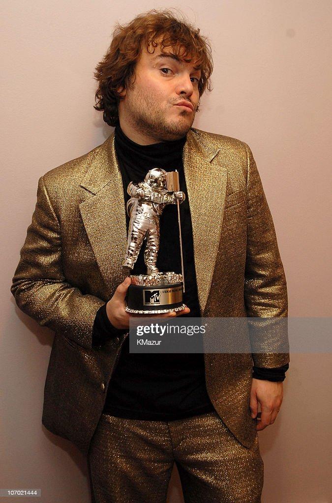 jack-black-mtv-video-awards-pussy-at-formal
