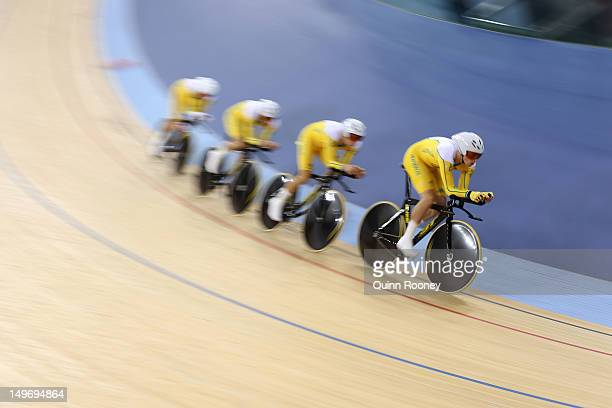 Jack Bobridge Glenn O'Shea Rohan Dennis and Michael Hepburn of Australia during Men's Team Pursuit Track Cycling Qualifying on Day 6 of the London...