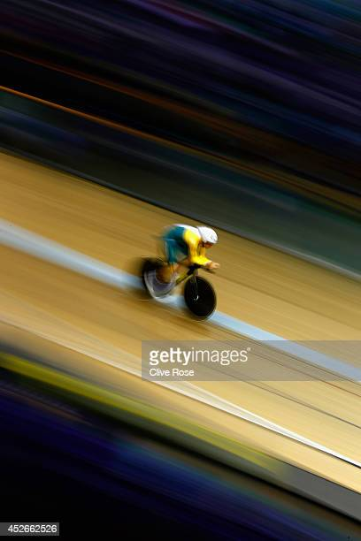Jack Bobridge of Australia competes in the Men's 4000m Individual Pursuit qualifying at the Sir Chris Hoy Velodrome during day two of the Glasgow...