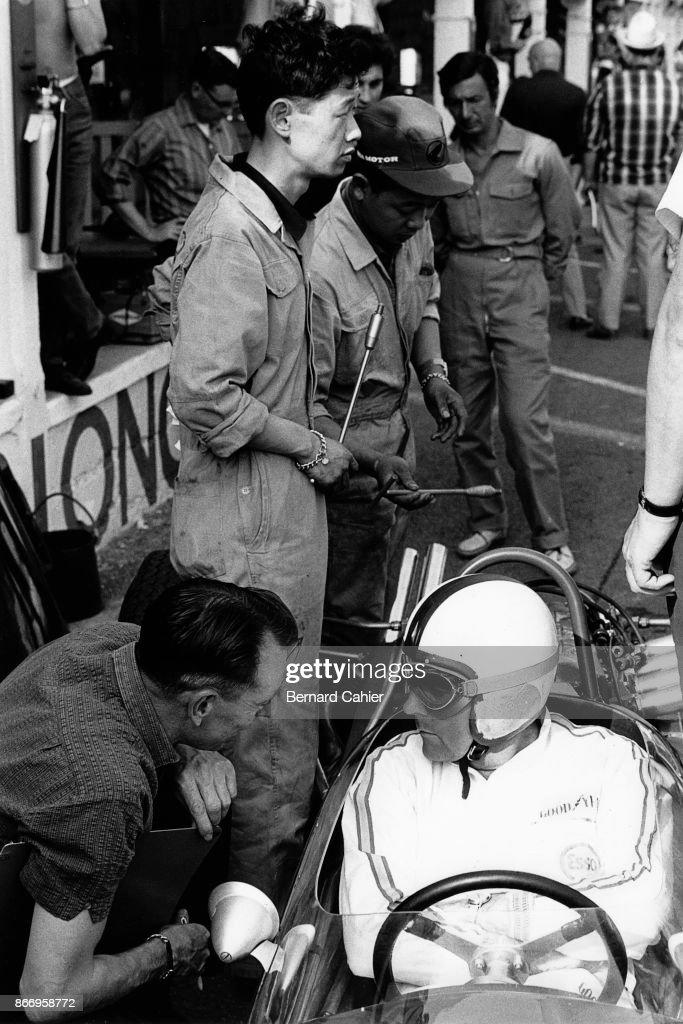 Jack Brabham, Nobuhiro Kawamoto, Ron Tauranac, Grand Prix Of France F2 : News Photo
