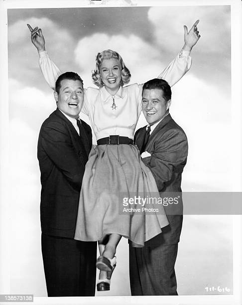 Jack Carson holding Doris Day in a scene from the film 'It's A Great Feeling' 1949