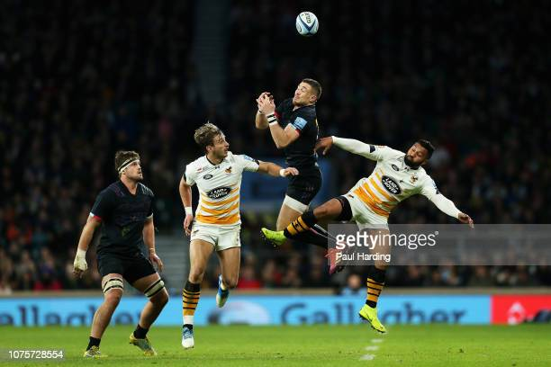 Jack Clifford and Mike Brown of Harlequins battles for the ball with Josh Bassett and Lima Sopoaga of Wasps during the Gallagher Premiership Big Game...