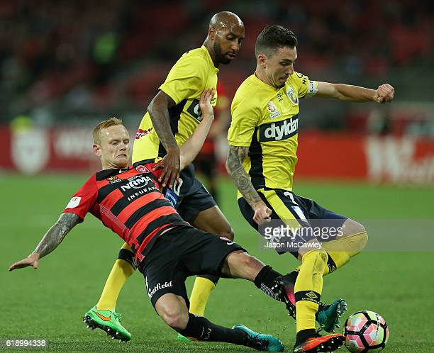 Jack Clisby of the Wanderers competes for the ball during the round four ALeague match between the Western Sydney Wanderers and the Central Coast...