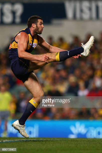 Jack Darling of the Eagles kicks on goal during the round 21 AFL match between the West Coast Eagles and the Carlton Blues at Domain Stadium on...