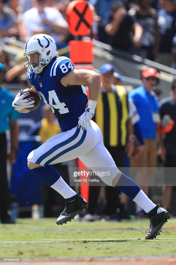 Jack Doyle #84 of the Indianapolis Colts runs the ball down field during the game against the Los Angeles Ram at Los Angeles Memorial Coliseum on September 10, 2017 in Los Angeles, California.