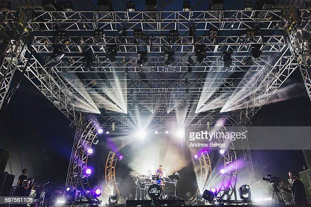 Jack Garratt performs on the NME / BBC Radio 1 Stage during day 3 of Leeds Festival 2016 at Bramham Park on August 28, 2016 in Leeds, England.