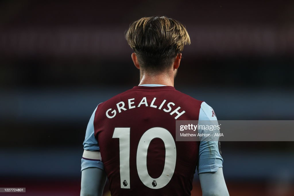 Aston Villa v Arsenal FC - Premier League : News Photo