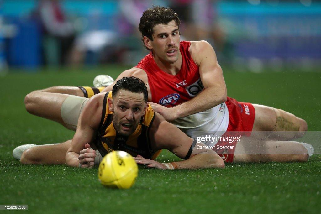 AFL Rd 8 - Sydney v Hawthorn : ニュース写真