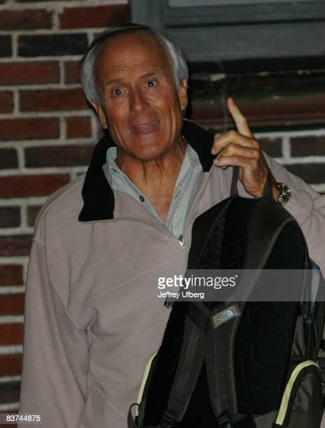 """Jack Hanna visits """"Late Show with David Letterman"""" at the Ed Sullivan Theater on November 18, 2008 in New York City."""