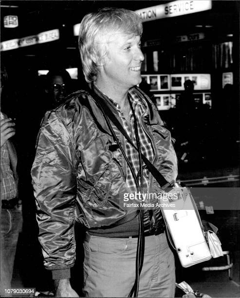 Jack Jones Popular US Singer and wife Kathy Arrived in Sydney From Southern Africa Loader up with Didio Camera amp Recorder form a 4week tour in...