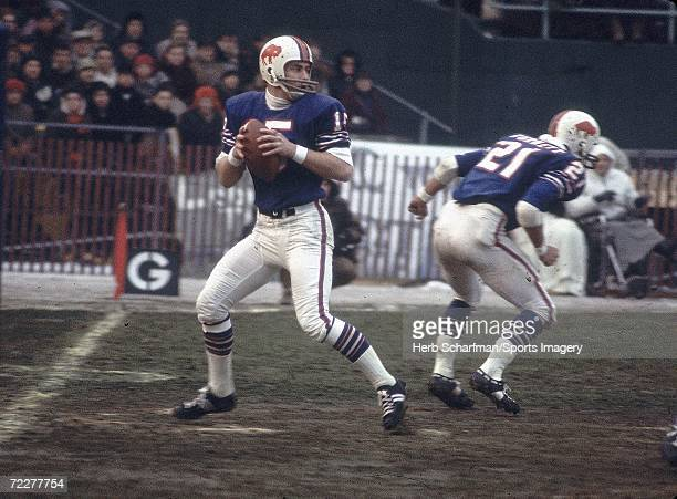 Jack Kemp of the Buffalo Bills passing against the Kansas City Chiefs in the 1966 season AFL Championship Game on January 1 l967 in Buffalo Bills