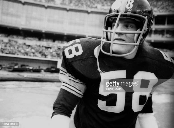 Jack Lambert linebacker Pittsburgh Steelers during the NFL Playoff game against the Buffalo Bills in Three Rivers Stadium on December 22 1974 in...