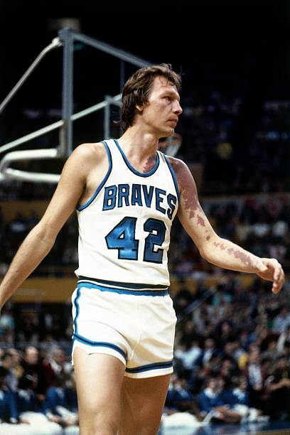 jack-marin-of-the-buffalo-braves-looks-o