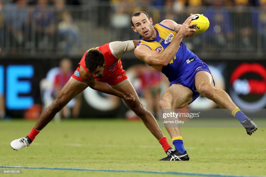 AFL Rd 4 - West Coast v Gold Coast : News Photo