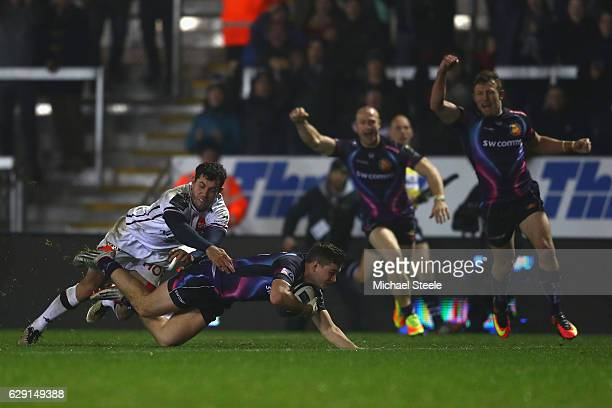 Jack Maunder of Exeter scores his sides opening try during the European Rugby Challenge Cup Pool 5 match between Exeter Chiefs and Bordeaux-Begles at...