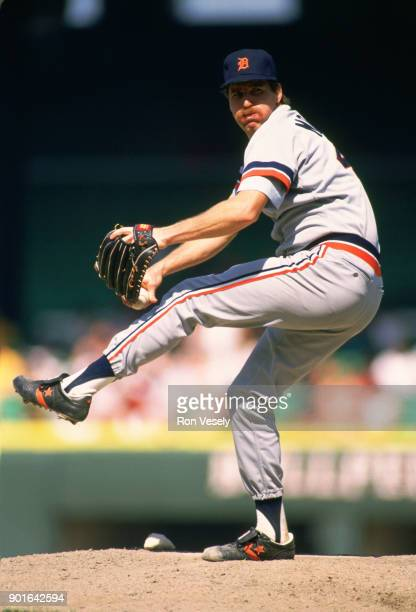 Jack Morris of the Detroit Tigers pitches during an MLB game versus the Chicago White Sox at Comiskey Park in Chicago Illinois during the 1988 season