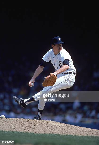 Jack Morris of the Detroit Tigers winds back to pitch during a season game Jack Morris played for the Detroit Tigers from 19771990 Minnesota Twins...