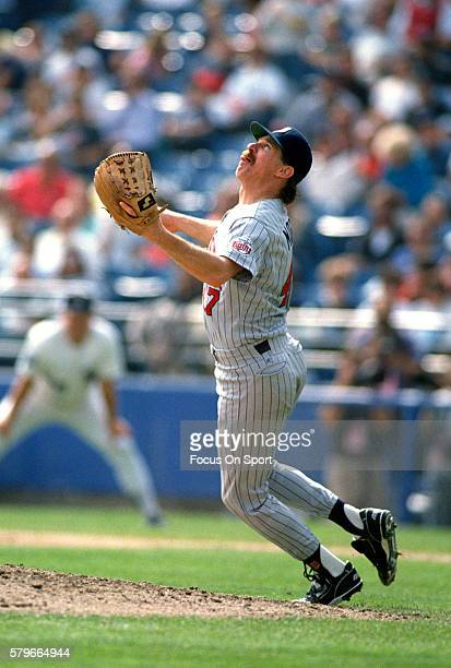 Jack Morris of the Minnesota Twins in action against the Chicago White Sox during an Major League Baseball game circa 1991 at Comiskey Park in...