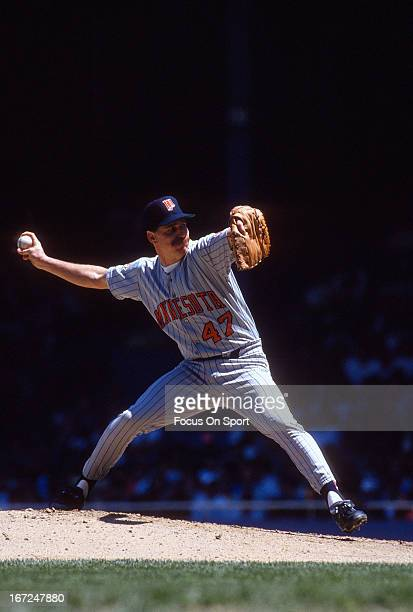 Jack Morris of the Minnesota Twins pitches against the Detroit Tigers during an Major League Baseball game circa 1989 at Tiger Stadium in Detroit...