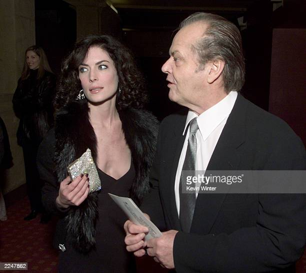 Jack Nicholson and Lara Flynn Boyle arrive at the premiere of 'The Pledge' at the Egyptian Theater in Los Angeles Ca 01/09/01 Photo by Kevin...