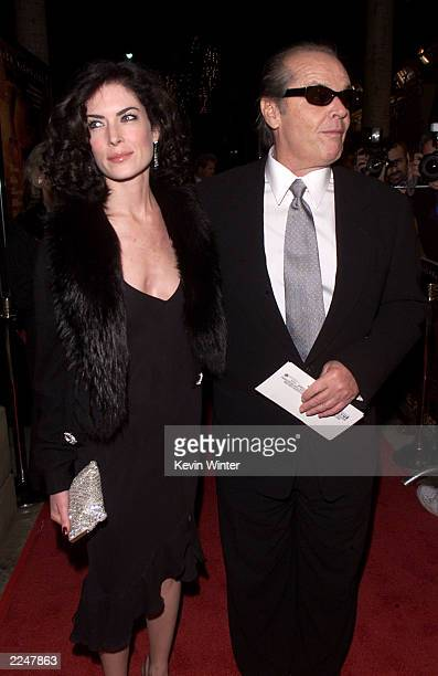 Jack Nicholson and Lara Flynn Boyle arrive at the premiere of 'The Pledge' at the Egyptian Theater in Los Angeles Ca 01/09/01