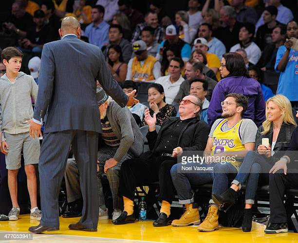 Jack Nicholson and Ray Nicholson talk to Clippers coach Doc Rivers at a basketball game between the Los Angeles Clipers and the Los Angeles Lakers at...