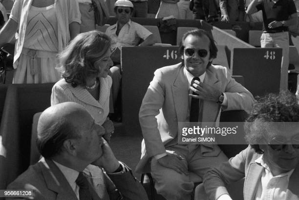 Jack Nicholson et la Baronne de Rothschild lors de la finale des Internationaux de France à RolandGarros le 11 juin 1978 à Paris France