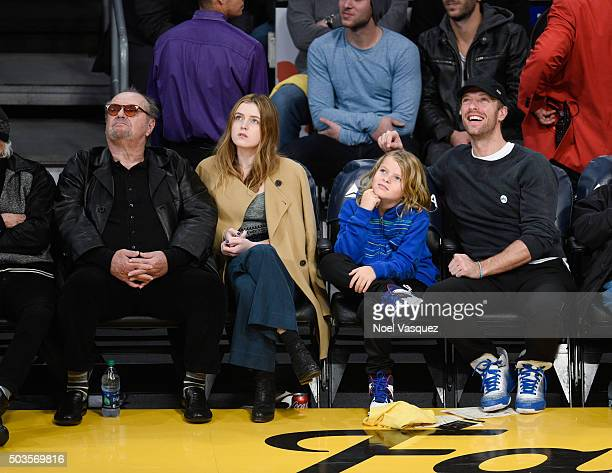 Jack Nicholson Lorraine Nicholson Moses Martin and Chris Martin attend a basketball game between the Golden State Warriors and the Los Angeles Lakers...