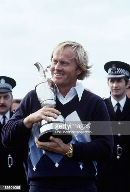 Jack Nicklaus of the United States holds the trophy after winning the British Open Golf Championship at St Andrews Golf Club near Edinburgh on 15th...