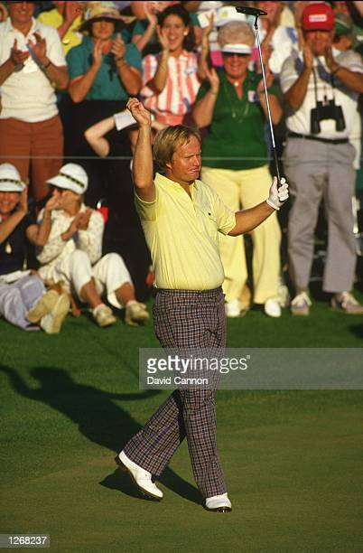 Jack Nicklaus of the USA acknowledges the crowd on the 18th green during the final day of the US Masters at the Augusta National Golf Club in Georgia...