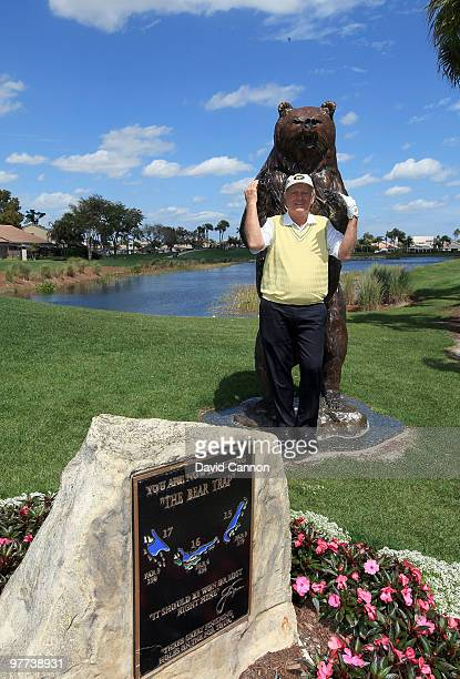 Jack Nicklaus poses with the bear on the 15th tee that signifies the final four holes known as the 'Bear Trap' on the Champion Course during the Els...