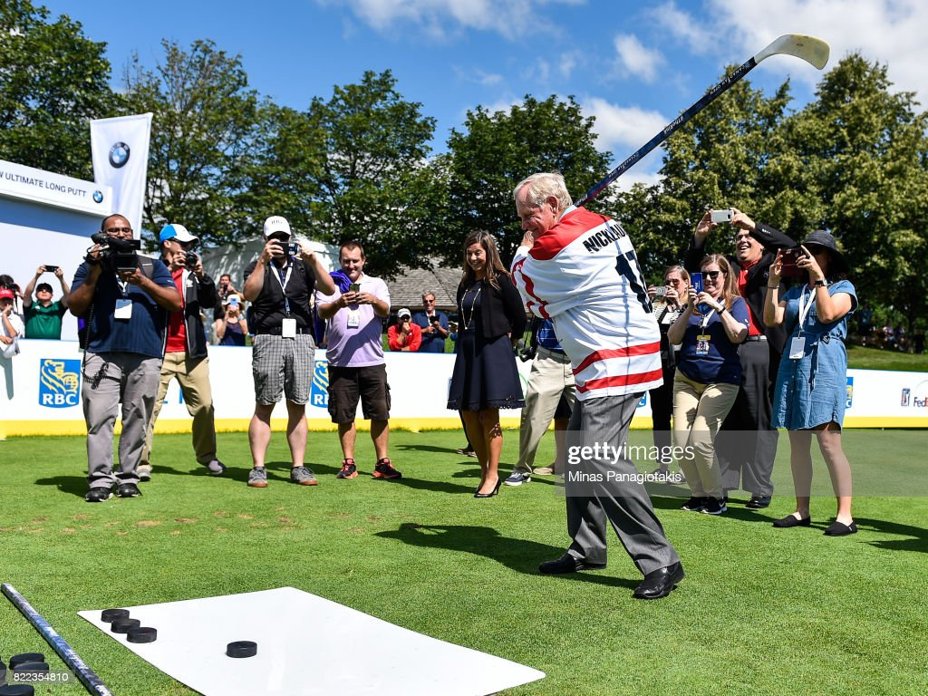 Jack Nicklaus prepares to shoot a puck during the opening ceremonies and hall of fame induction of the RBC Canadian Open at Glen Abbey Golf Course on July 25, 2017 in Oakville, Ontario, Canada.