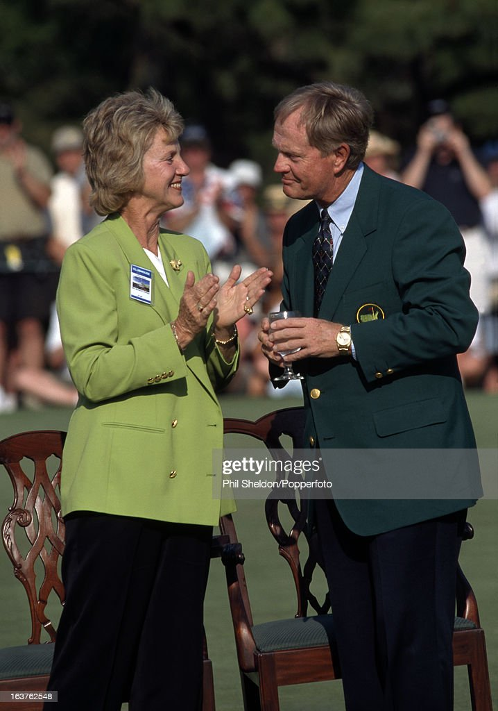 Jack And Barbara Nicklaus At The Augusta National Golf Club : News Photo