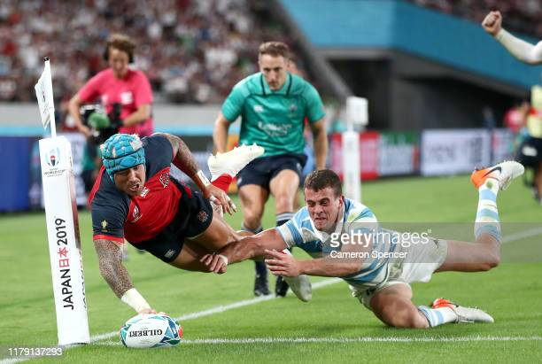 Jack Nowell of England scores his side's fifth try during the Rugby World Cup 2019 Group C game between England and Argentina at Tokyo Stadium on...