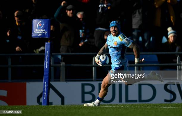Jack Nowell of Exeter Chiefs crosses the line to score his side's first try during the Champions Cup match between Exeter Chiefs and Castres...