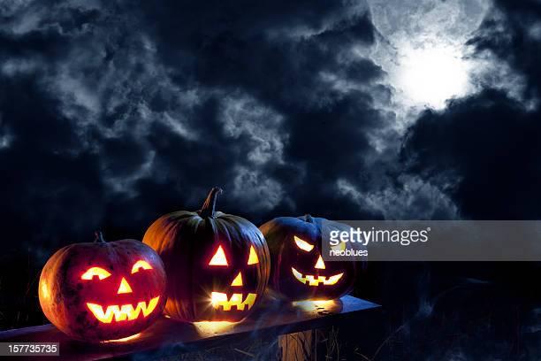 lanterna de halloween em luar - halloween pumpkin - fotografias e filmes do acervo