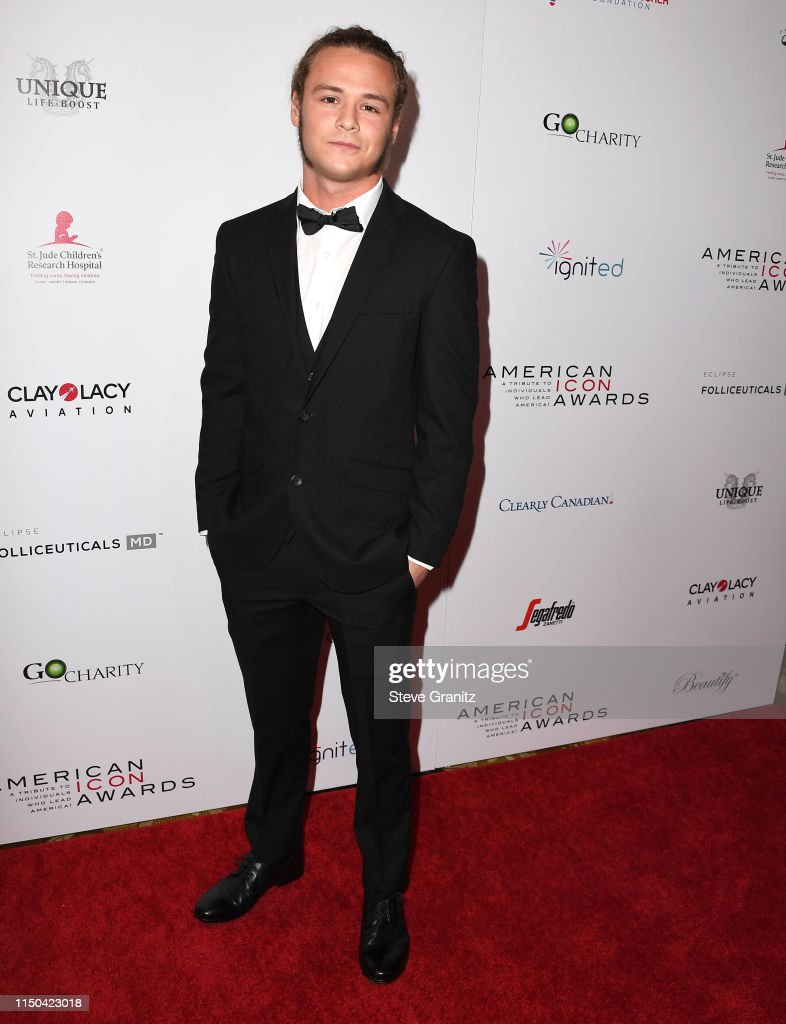American Icon Awards - Arrivals : News Photo
