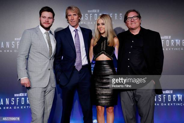 Jack Reynor Michael Bay Nicola Peltz and Lorenzo di Bonaventura attend the premiere of Paramount Pictures 'Transformers Age of Extinction' at...