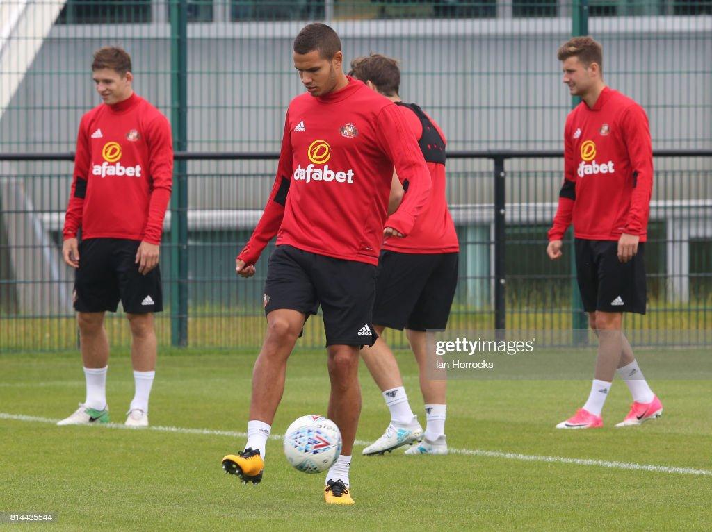Sunderland Training Session : ニュース写真