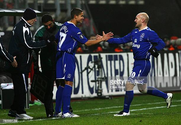 Jack Rodwell of Everton replaces Thomas Gravesen to make his debut during the UEFA cup group A match between AZ Alkmaar and Everton at the DSB...
