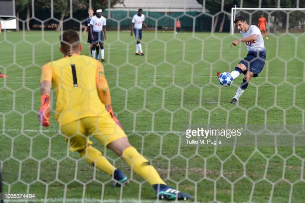 Jack Roles of Tottenham Hotspur scores a penalty during the UEFA Youth League match between FC Internazionale and Tottenham Hotspur on September 18...