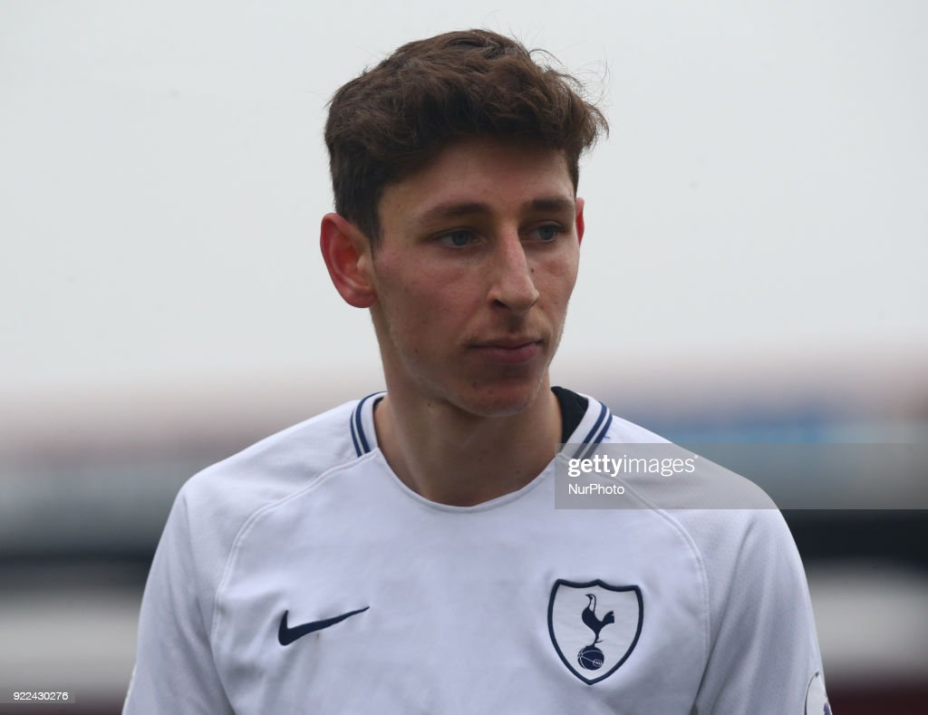 Tottenham Hotspur U19 v Monaco U19: UEFA Youth League : Photo d'actualité